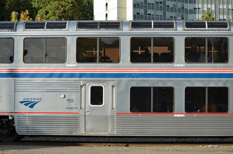 amtrak τραίνο σαλονιών αυτοκι& στοκ φωτογραφία με δικαίωμα ελεύθερης χρήσης