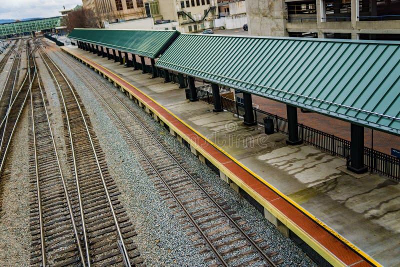 Amtrak päfyllningsplattform royaltyfria bilder