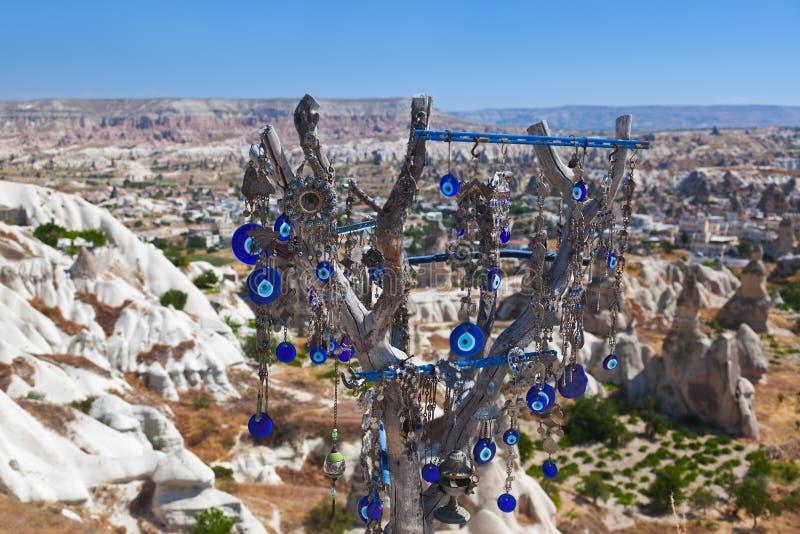 Amulett des Baums und des schlechten Auges in Cappadocia die Türkei lizenzfreie stockfotografie
