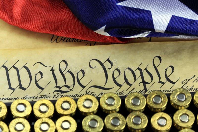Amunicje i flaga na USA konstytuci - historia Drugi poprawka obraz royalty free