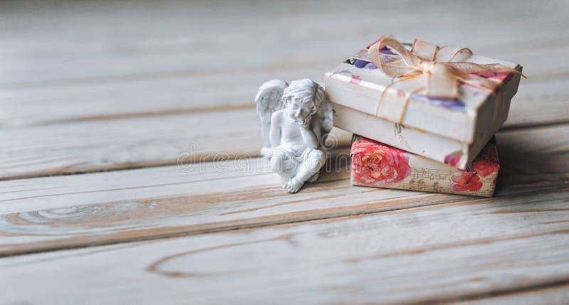 amur Amorek postać Rocznik Rocznika amorek Chłopiec anioł valentine zdjęcia stock