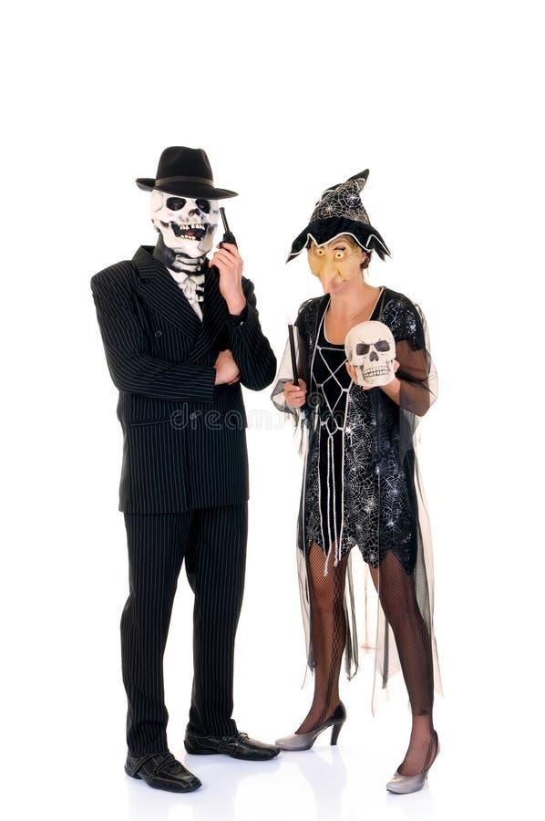 Amusement de couples de Veille de la toussaint image libre de droits