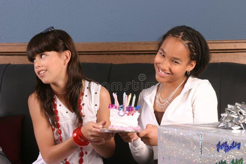 Amusement de fête d'anniversaire de jeunes filles photos libres de droits