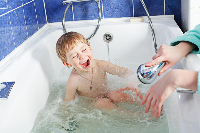 amusement de salle de bains photo stock