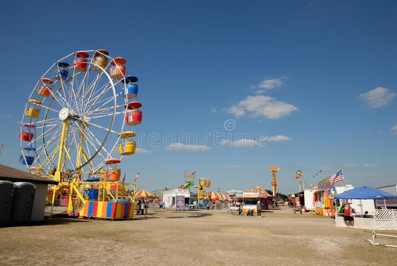 Download Amusement park in Texas editorial photo. Image of amusement - 18098331