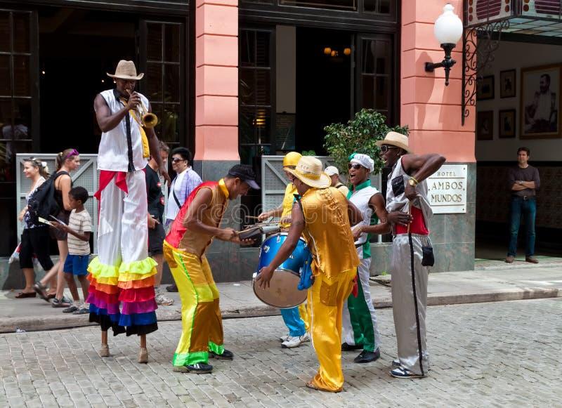 Amuseurs de rue à vieille La Havane photos libres de droits