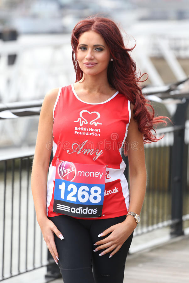 Amy Childs stock foto's