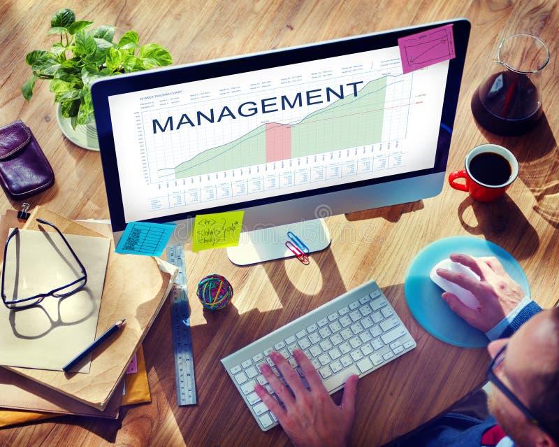 A análise da gestão representa graficamente o conceito dos objetivos do mercado do negócio imagens de stock royalty free