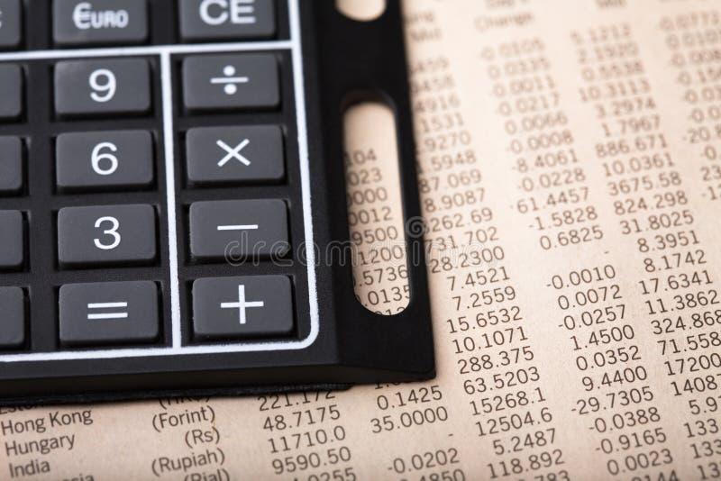 Análise da taxa de câmbio da moeda foto de stock
