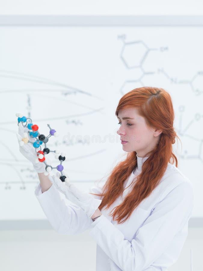 Análise de estrutura molecular do laboratório de química foto de stock royalty free