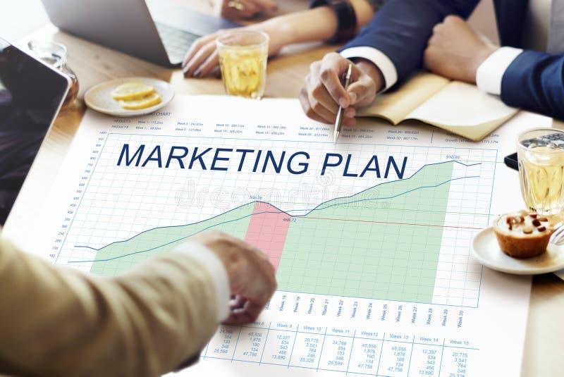 A análise de plano de marketing representa graficamente o conceito dos objetivos de negócios fotos de stock
