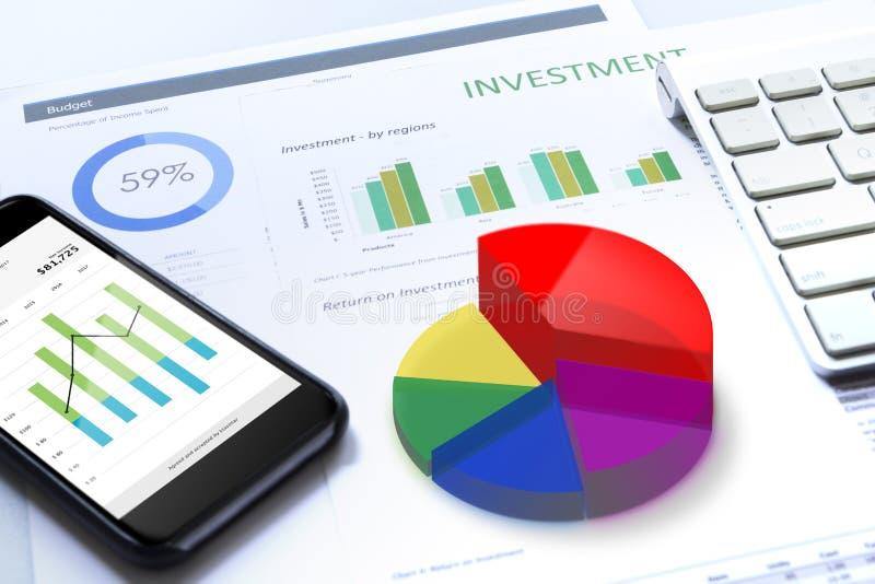 Análise de risco do investimento empresarial no móbil imagens de stock