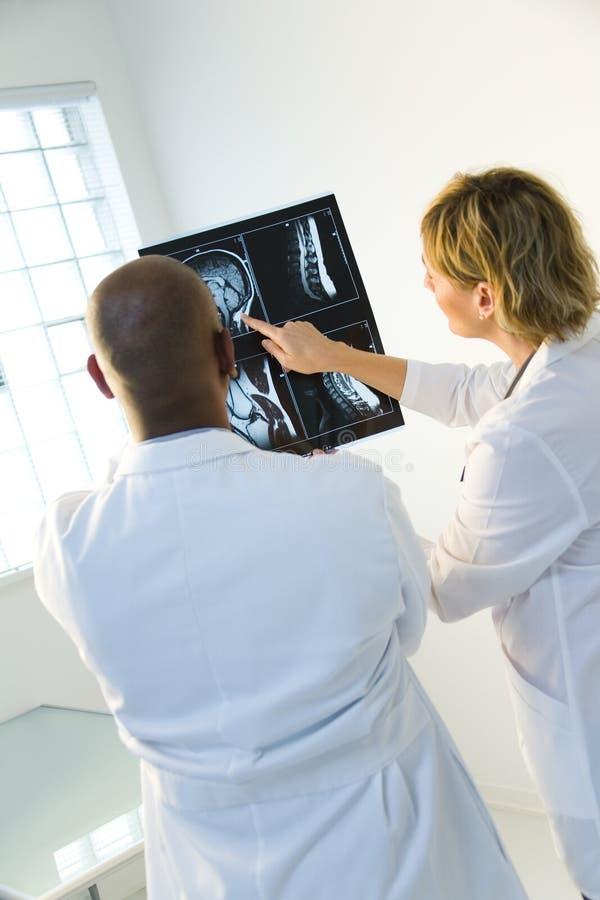 Análisis de radiografía imágenes de archivo libres de regalías
