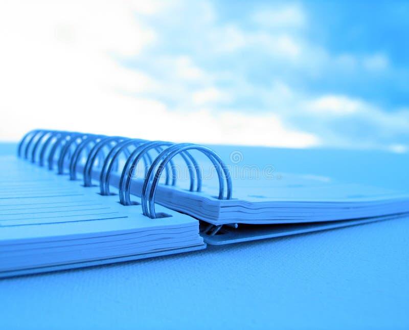 Download Anéis foto de stock. Imagem de perspective, closeup, estudante - 71154