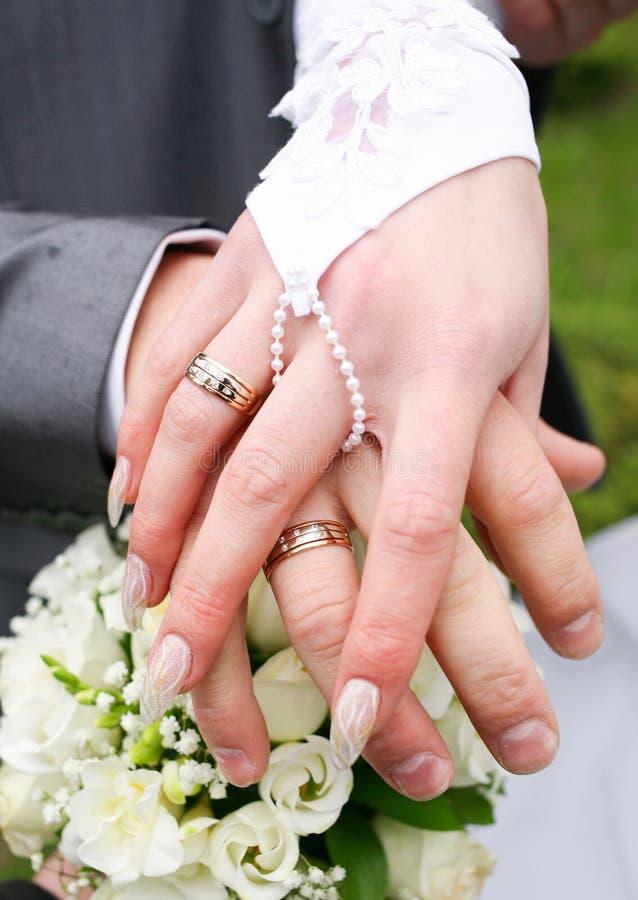 Anéis de casamentos foto de stock royalty free