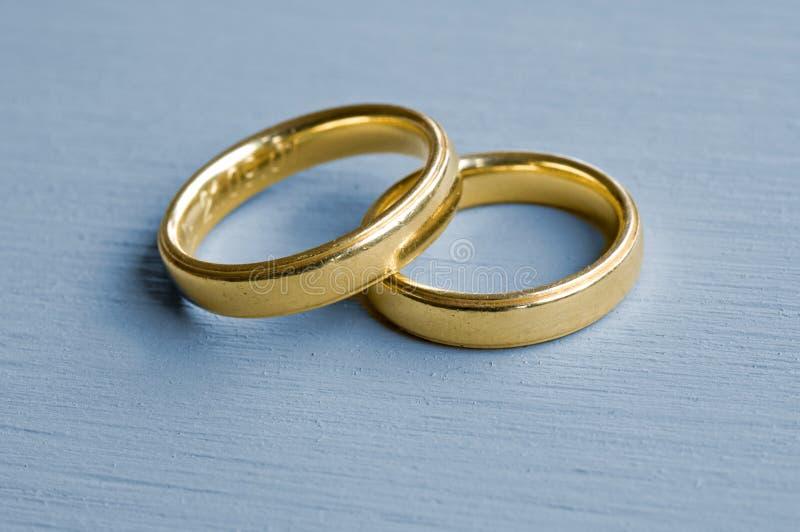 Anéis dourados foto de stock