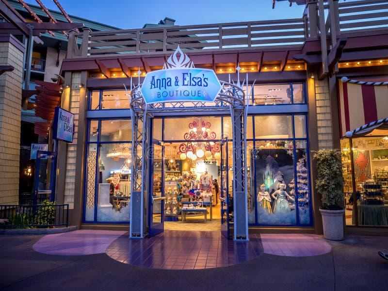 Ana y el boutique de Elsa en Disney céntrico foto de archivo