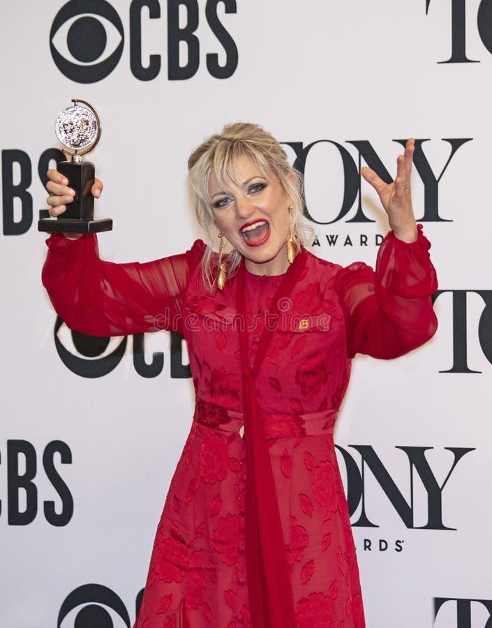 Anaiis Митчел выигрывает на 2019 премиях Тони стоковое изображение