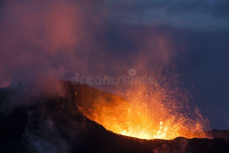 Anak Krakatau, Indonesië stock foto