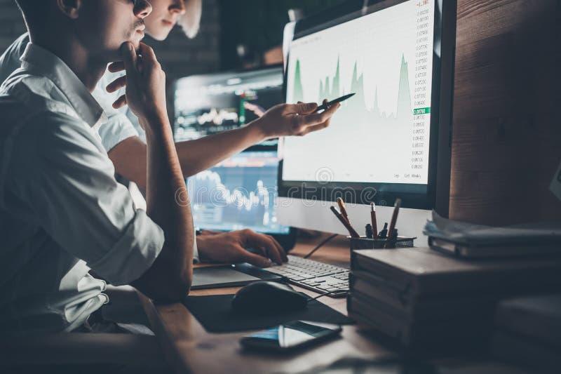 Analisando dados fotografia de stock