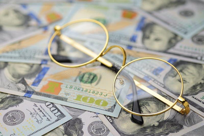 Analista da contabilidade financeira foto de stock