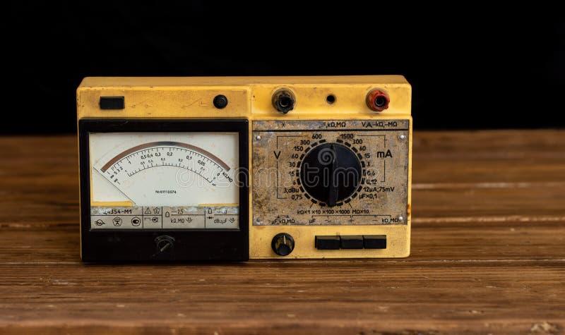 Analoge Multimeter volt-ohm-Milli-ampèremeter royalty-vrije stock foto