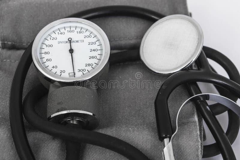 Analoge sphygmomanometer stock fotografie