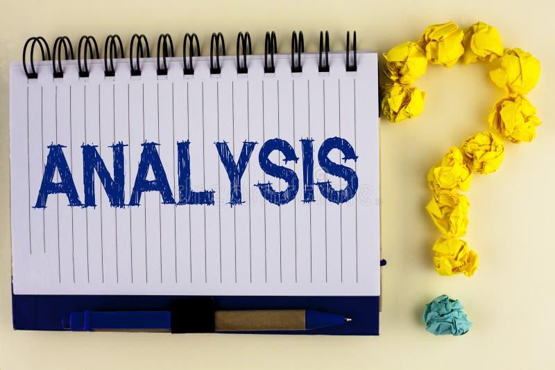 Analys för ordhandstiltext Affärsidé för strategiska analytiska plan för ny websitetillväxtutveckling som är skriftlig på anteckn arkivfoton