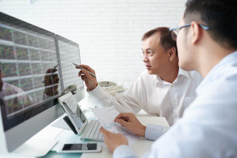 Analyse de la bourse des valeurs  image stock