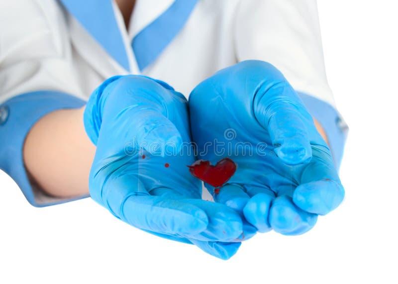 Analyse de sang dans les mains d'un médical photographie stock libre de droits
