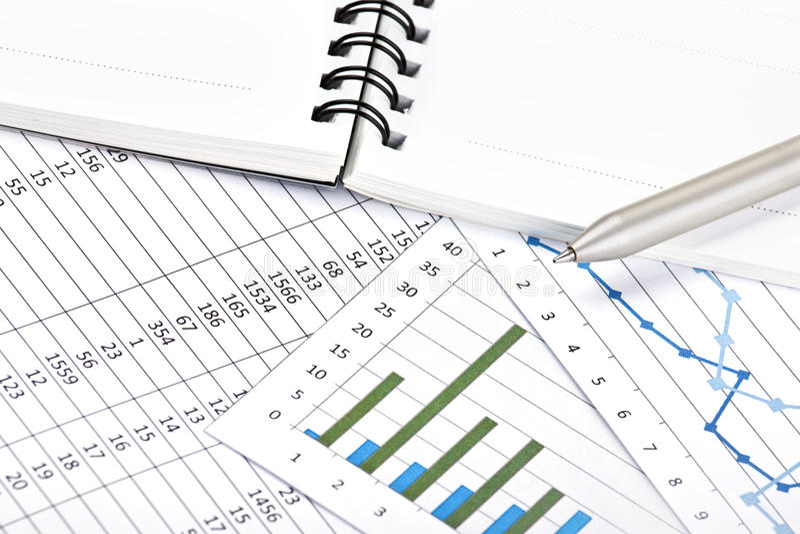 Analyse der Geschäftsberichte stockfoto