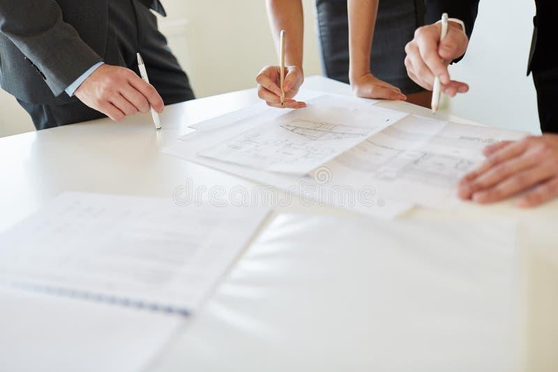 Analyse en planning van floorplan ontwerp stock foto