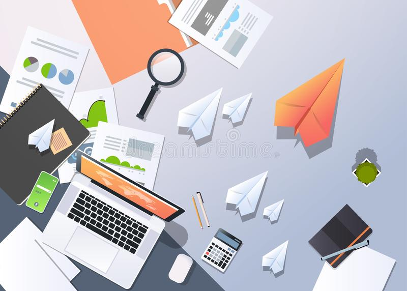 Analyse financière de bureau de processus créative d'avions de papier d'ordinateur portable de vue d'angle supérieur de concept d illustration de vecteur