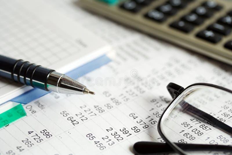 analysis financial arkivbilder