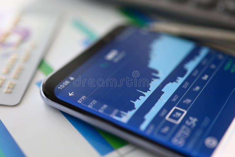 Analytics financier Le commerce de graphique de croissance Donn?es de march? boursier photos stock