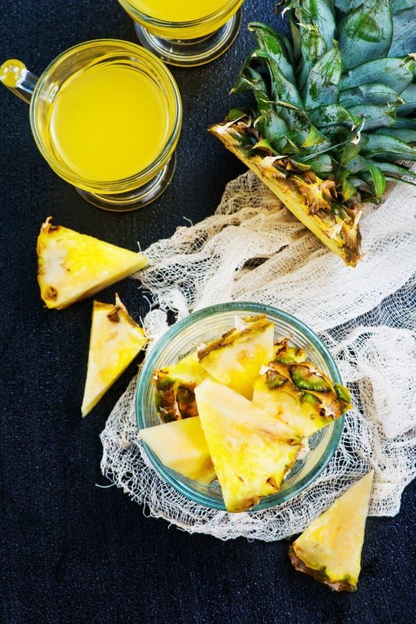 ananas image stock image du brochure spiky r tro nutrition 82418175. Black Bedroom Furniture Sets. Home Design Ideas