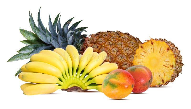 Ananas, Banane und Mango lokalisiert auf weißem Hintergrund stockbilder
