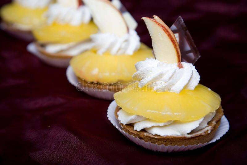 Ananas-cake stock afbeeldingen