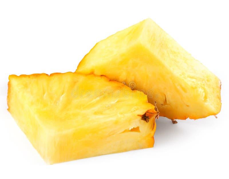 Ananas con le fette fotografia stock libera da diritti