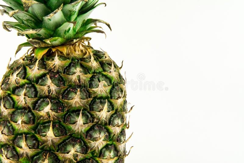 Ananas d'isolement sur le fond blanc Fruit d'été image stock