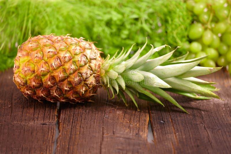 Ananas fresco immagini stock libere da diritti