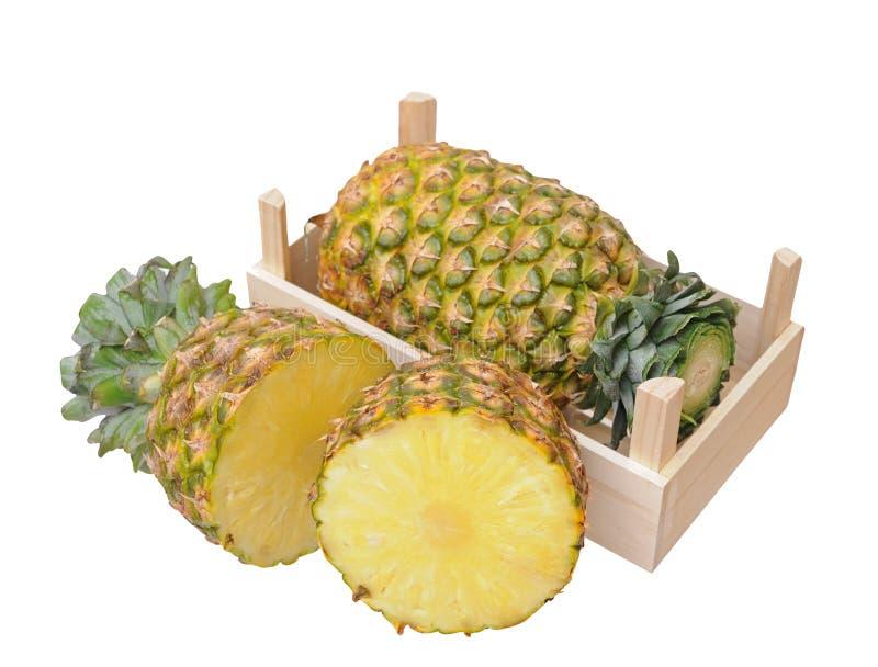 Download Ananas in krat stock afbeelding. Afbeelding bestaande uit voedsel - 29511639