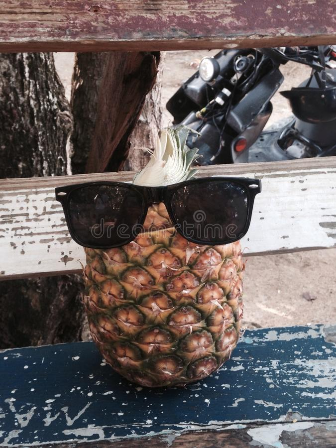 Ananas mit Art stockfotos