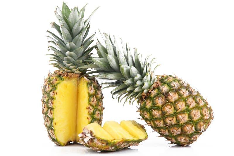 Ananas op witte achtergrond stock afbeelding