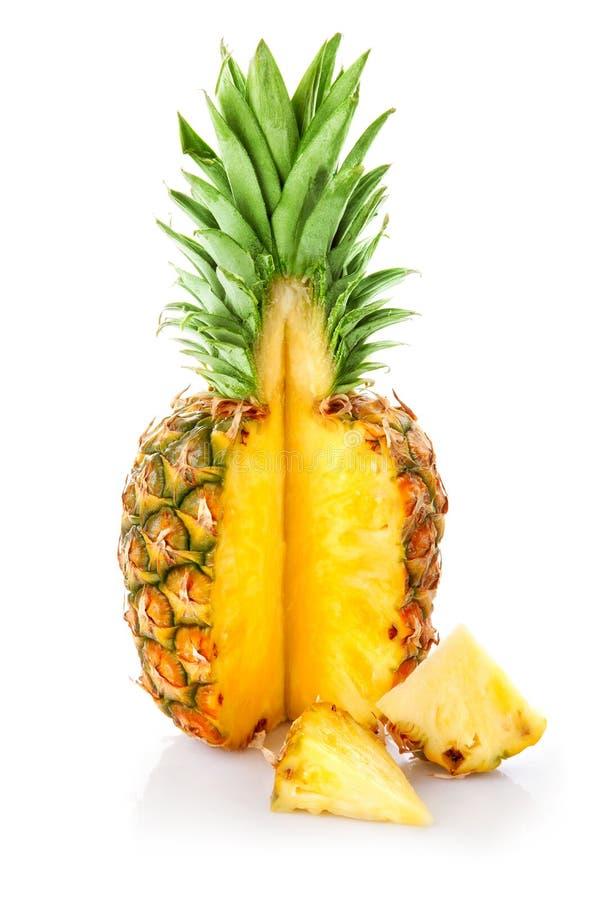 Download Ananas owoc rżnięta świeża obraz stock. Obraz złożonej z owoc - 13334257