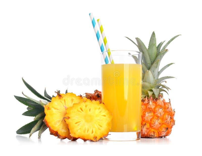 Ananasfruktsaft arkivbild