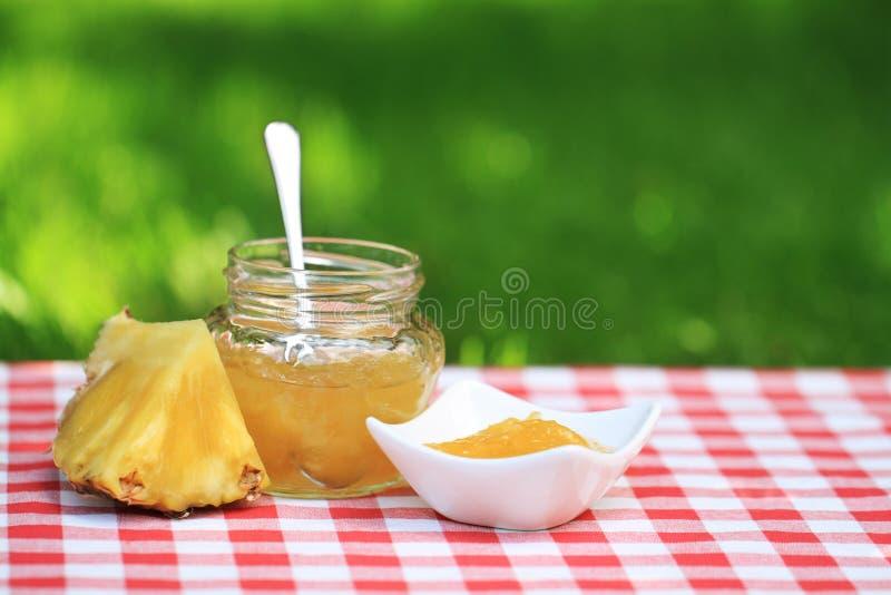 Ananasmarmelade stockfotos
