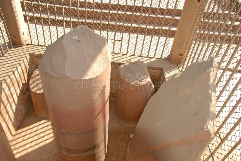 Ananda Stupa- und Asokan-Säule bei Kutagarasala Vihara, Vaishali, lizenzfreies stockbild