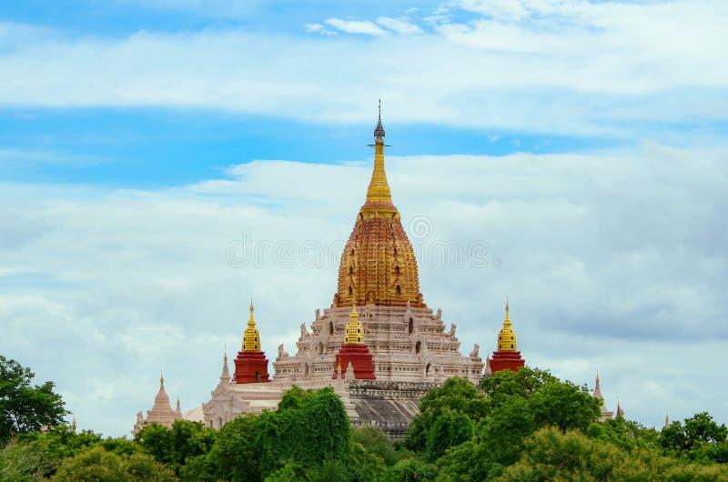 Ananda Temple, situato in Bagan, il Myanmar fotografie stock libere da diritti