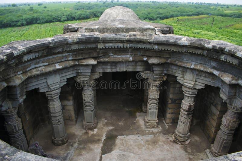Anandeshwar-Tempelvogelperspektive, Lasur, Daryapur Taluka, Amravati-Bezirk, Maharashtra, Indien stockbild